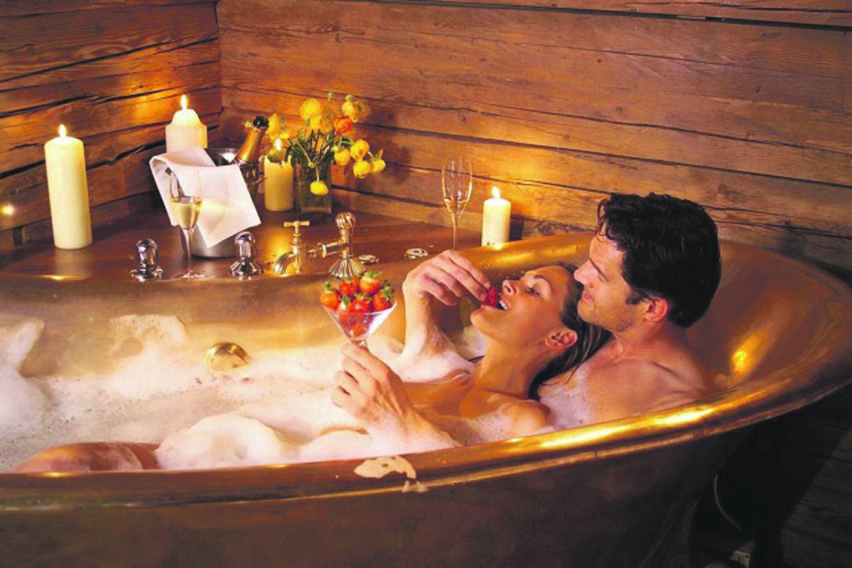romantic bathtub hair fire - HD1181×787