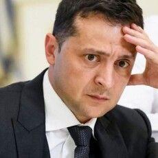 Рейтинг Зеленського упав майже вдвічі