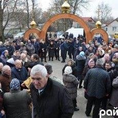 Православні найбільшого села на Волині вирішували, чи переходити до української церкви