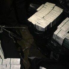 На Волині правоохоронці затримали організаторів з контрафактними цигарками (Фото)