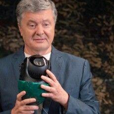 Порошенко: На кожну відеокамеру, яку ворог буде знищувати, на фронті будуть з'являтися три нові