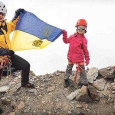 5-річна Саша підкорила вершину висотою 4009 метрів! (Фото)