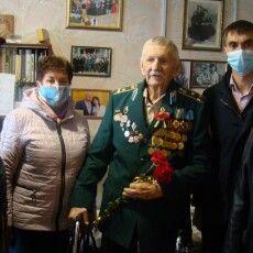 96-річного ветерана-льотчика привітали з Днем перемоги над нацизмом (Фото)