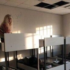 В ізоляторі без їжі та води: в аеропорту Афін затримали 17 українців