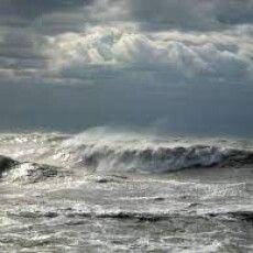 На березі Азовського моря знайшли незвичну русалку (Фото)