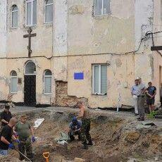 За два дні енкаведисти розстріляли уЛуцькій тюрмі до4тисяч в'язнів