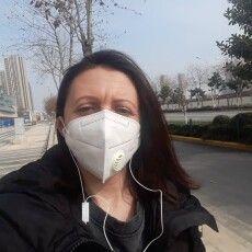 «З нами в автобусі їхали іноземці, то мені було соромно перед ними», – каже  лучанка, евакуйована з Китаю