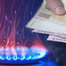 Українцям підвищать плату за доставку газу: суми в платіжках за комуналку злетять