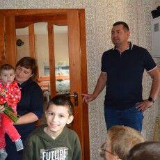 Волинська сім'я всиновила 6 сиріт та дітей позбавлених батьківського піклування
