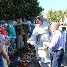 Завершилася молитва благословенням  фруктів нового врожаю (Фото)