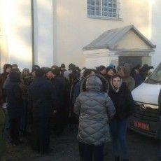 Події біля храму у Жидичині прокоментували у поліції та в Московському патріархаті