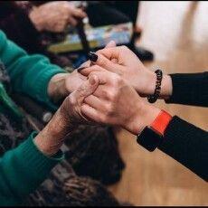 Відвідала могилу доньки: волонтери реалізували мрію 95-літньої волинянки (Відео)