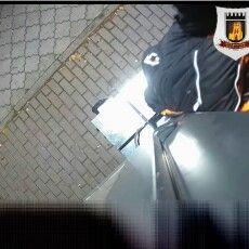 У Луцьку зі смарт-зупинки вкрали камеру (Відео)