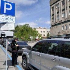 Луцькі муніципали почали штрафувати за паркування на Кривому Валу
