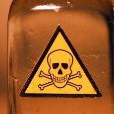Не знала, як повідомити батькам: іноземна студентка випила щурячу отруту…