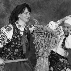 Волинянки, приєднуйтесь дофлешмобу: зазнімкуйте себе вукраїнських хустках!