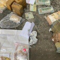 МЗС відкликала з посольства в Польщі двох дипломатів, які переміщали через «Ягодин» золото, цигарки і валюту (Відео)