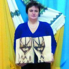 Неймовірно: у середині старого дерева – тризуб і гасло: «Слава Україні!»