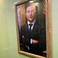 Як жителі багатоповерхівки у ліфті з Володимиром Зеленським каталися