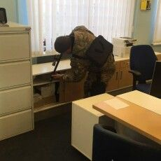 Псевдомінером офісної будівлі у Луцьку виявився... 71-річний пенсіонер. Його затримали