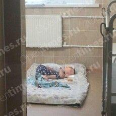 Тримала дочку в клітці: в Росії жахнули розповіддю про горе-матір