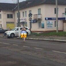 Нововолинець розгулював по вулиці в чому мама народила (Фото)