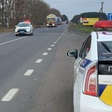Поліція видала понад півсотні приписів за порушення норм утримання автодоріг