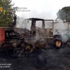 На Горохівщині згорів трактор, а на «варшавці» - причеп із соломою (Фото)