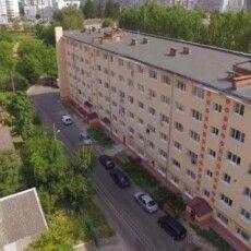 Сусідські війни: у Луцьку чоловік затероризував мешканців будинку судовими позовами