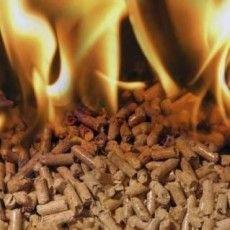 Мешканців Рокинь заспокоїли: дим, який заполонив населений пункт, не є шкідливим