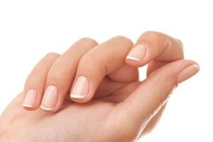 Жовтизна нігтів не прикрашає