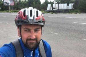 Заступник мера волинського міста приїхав з Луцька до Ковеля велосипедом
