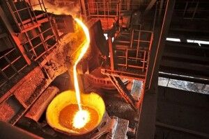 У світі на третину скоротилося виробництво сталі