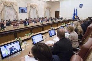 Від 12 до 120 тис. гривень: у кого з міністрів найбільша зарплата