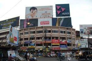 З фасадів луцьких будинків зникне зовнішня реклама
