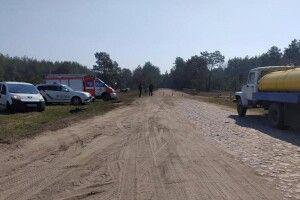 Поліція та бійці ДСНС заблокували усі виїзди із села Тинне, в якому виявили дев'ятьох інфікованих COVID-19
