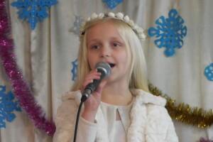 За юну волинянку-співачку вболівають її 10 братів та сестер
