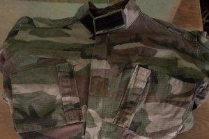 Військовослужбовець подарував музею однострій, в якому пройшов вогняні дороги Дебальцівського плацдарму