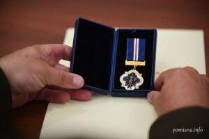 Предстоятель ПЦУ нагородив волинського капелана медаллю