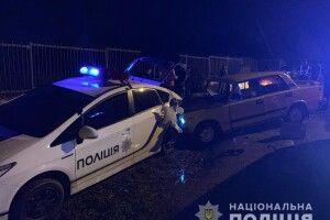 П'яний водій на «Жигулях» врізався у поліцейську автівку