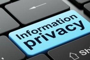Офіс омбудсмена застерігає, що законом заборонено поширювати інформацію про адреси, де мешкають начебто інфіковані на коронавірус