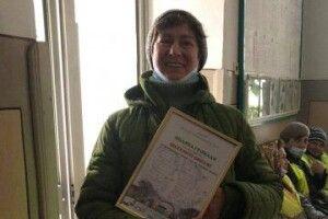У Луцьку мешканці  району ЛПЗ вручили подяку двірнику