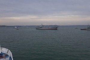 Українські військові кораблі прорвалися в Азовське море під Керченським мостом