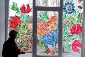 На вікнах ліцею з'явився дивовижний розпис (Фото)