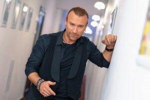 Олег Винник схвилював прихильниць зовнішнім виглядом