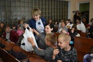 Ковельські діти загиблих учасників АТО та з родин, які опинилися в складних життєвих обставинах, отримали подарунки до свята