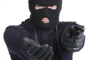 Катували вимагаючи грошей: на сім'ю аграріїв напали бандити в балаклавах