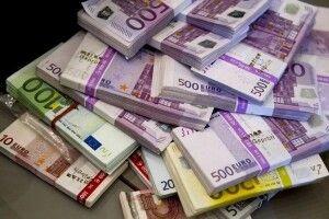 98-річна італійка під час самоізоляції вирішила влаштувати генеральне прибирання і знайшла поштову облігацію на пів мільйона євро