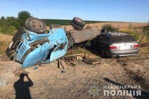 БМВ врізався у вантажівку на Рівненщині