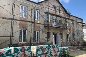 Нарешті у Луцьку взялись за ремонт приміщення вечірньої школи